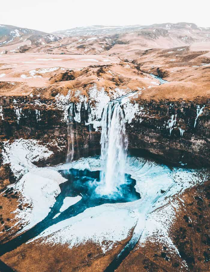 Best Things to do in Iceland in Winter. See the best waterfalls in Iceland avenlylane.com #iceland #visiticeland #icelandtrip #travel #traveltips #europe #wanderlust #bucketlist #travelphotography #wintertravel #islands #nature #avenlylanetravel