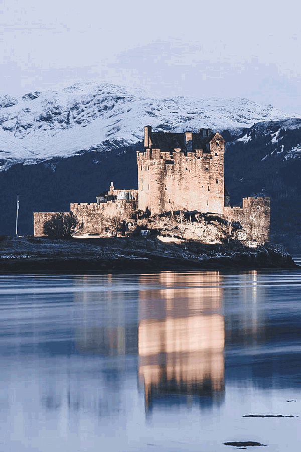Eilean Donan Castle, Scotland. See 15 Fairytale Places that Really Exist! #scotland #avenlylane
