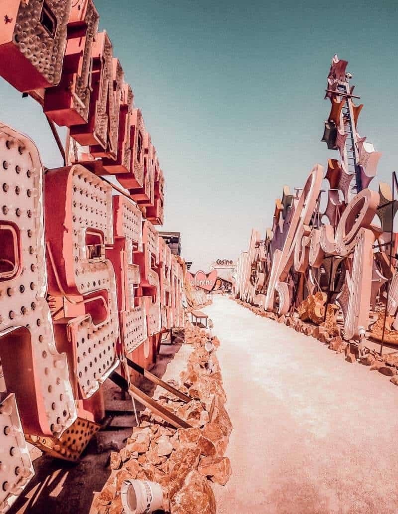 Neon Museum & Graveyard in Las Vegas. 14 Unique things to do in Las Vegas! There are so many incredible places to see in Las Vegas, here are some of the top places you will not want to miss on your vacation! #vegas #lasvegas #nevada #travel #avenlylanetravel