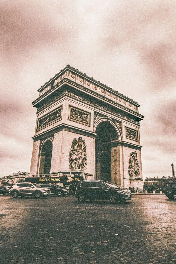 Arc de Triumphe.