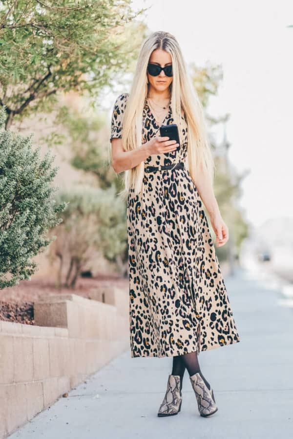 You have to add this leopard print dress to your fall must haves! No fall outfit will be complete without a leopard dress!