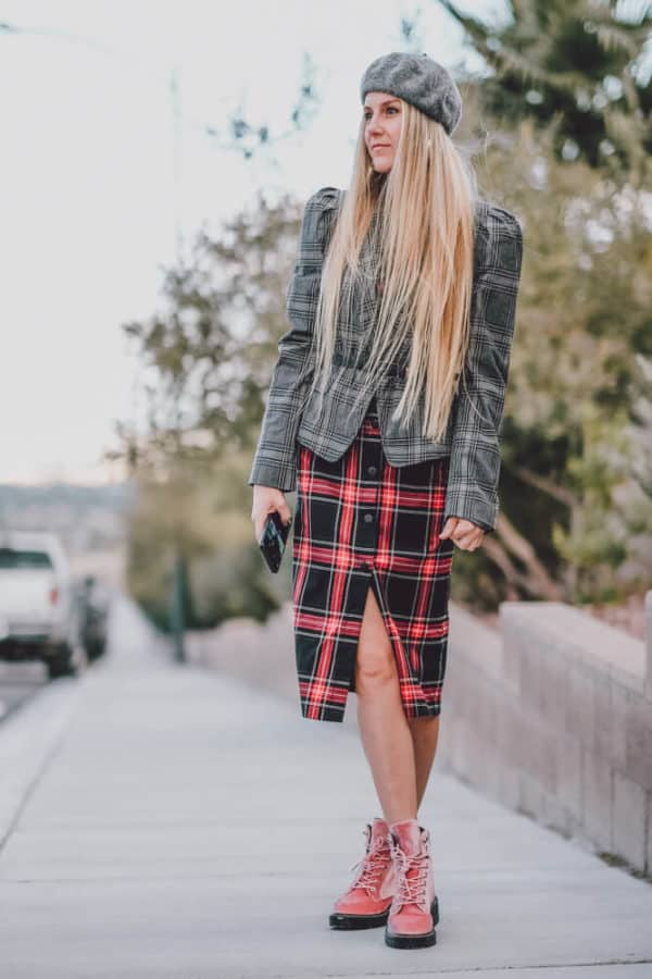 The Perfect Dress to Wear with a Blazer for Fall! Who doesn't love a good plaid blazer you can basically where with anything? Get all the details at www.avenlylane.com #falloutfits #dresses #dress #blazer #blazers #fashion #styleinspiration #plaid #fallmusthaves #beret #AVENLYLANEFASHION #AVENLYLANE