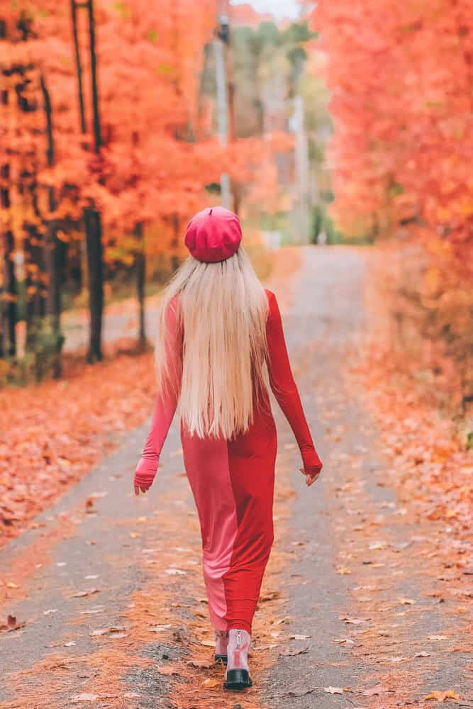 Visiting Warren and Stowe Vermont were my two favorite places we saw! Have you been to Vermont to see the fall foliage? It is the most beautiful place I have ever spent fall! Check out my favorite Pink Dress I wore for the New England Fall! #AVENLYLANEFASHION #AVENLYLANE #AVENLYLANETRAVEL #falloutfits #dresses #fallfashion #fashion #beret #accessories #fashionblogger #lifestyleblogger #blogger