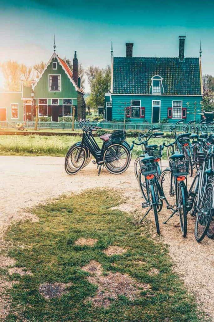 13 Most Beautiful Towns in The Netherlands! While most tourists only visit Amsterdam, it is in the smaller villages and cities that you can feel and experience the real Dutch lifestyle. Here are the best cities to visit in the Netherlands.