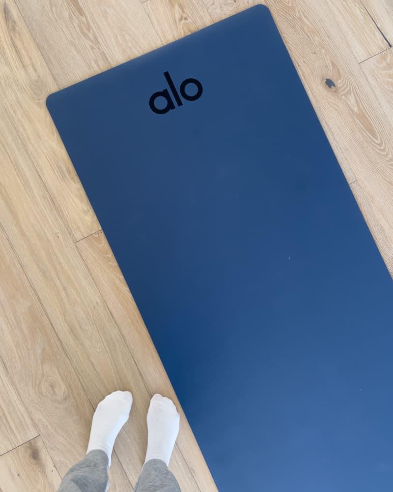 Alo Yoga Warrior Mat
